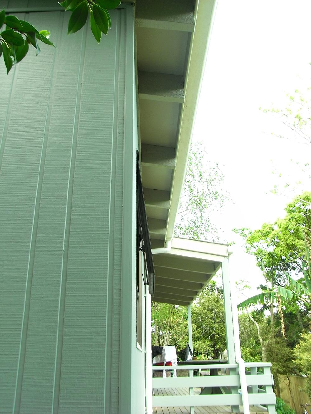 Eco 03 fredBraxtonOverhang and verandah exclude north summer sun.jpg