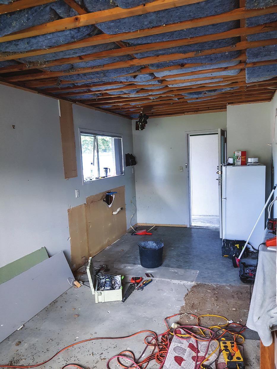Shed_079_20180611_Installing-a-Kitchen-002.jpg