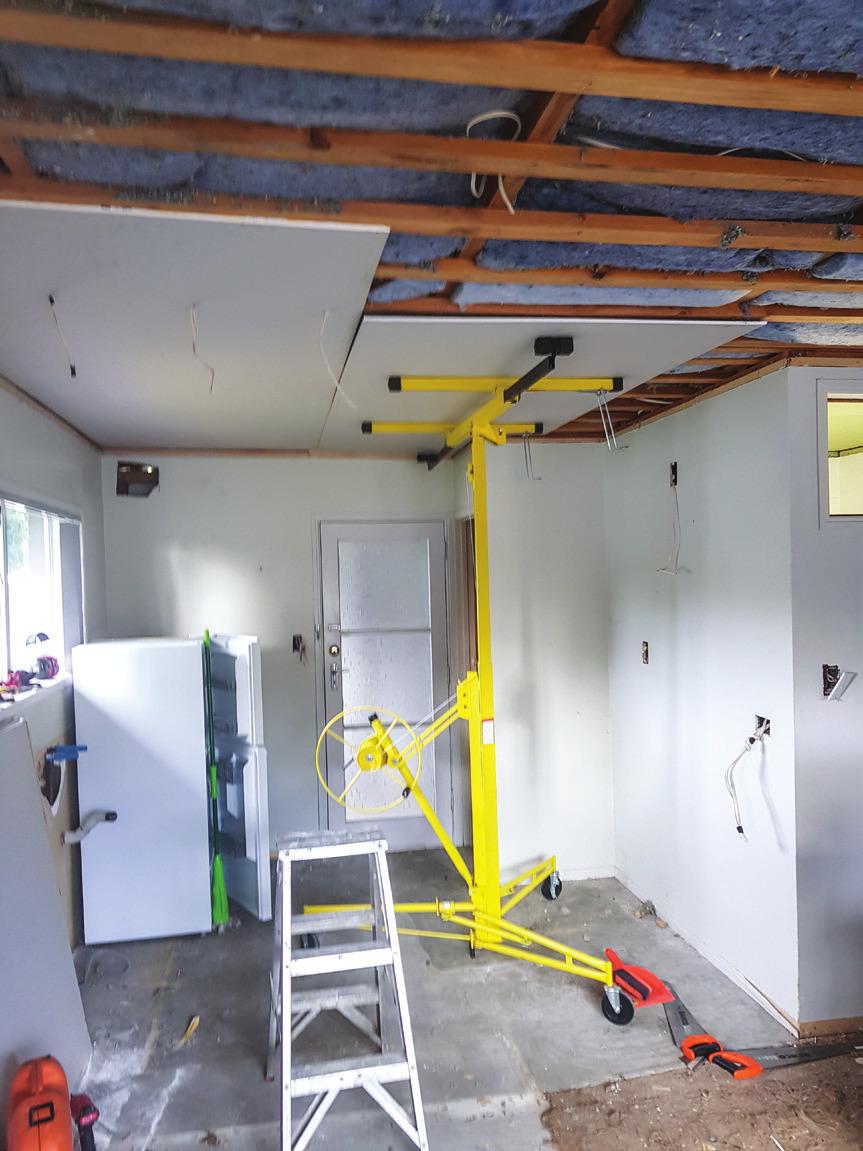 Shed_079_20180611_Installing-a-Kitchen-004.jpg