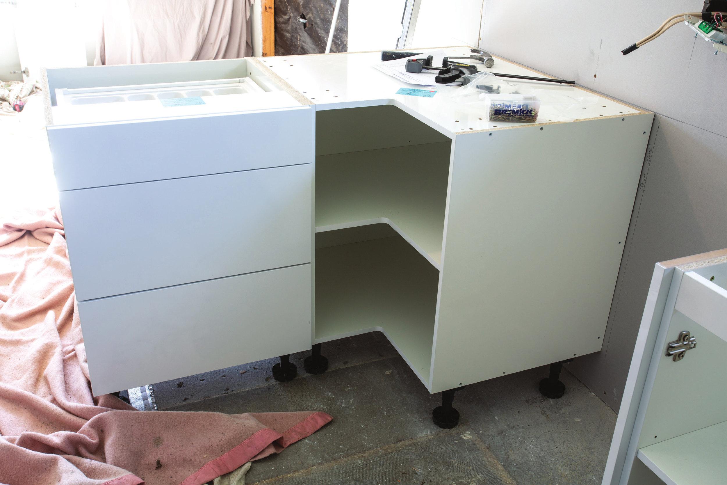 Shed_079_20180611_Installing-a-Kitchen-005.jpg