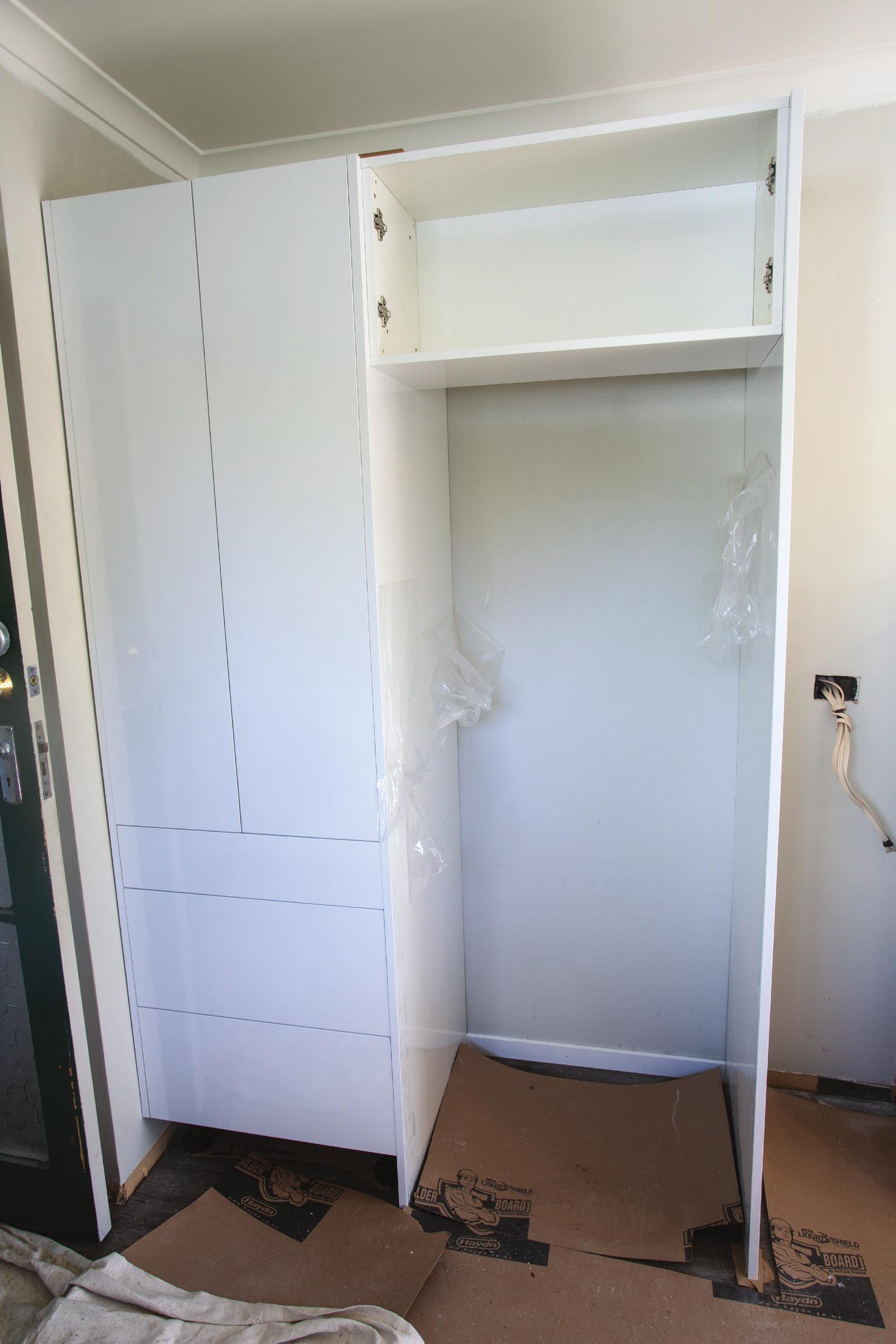 Shed_079_20180611_Installing-a-Kitchen-009.jpg