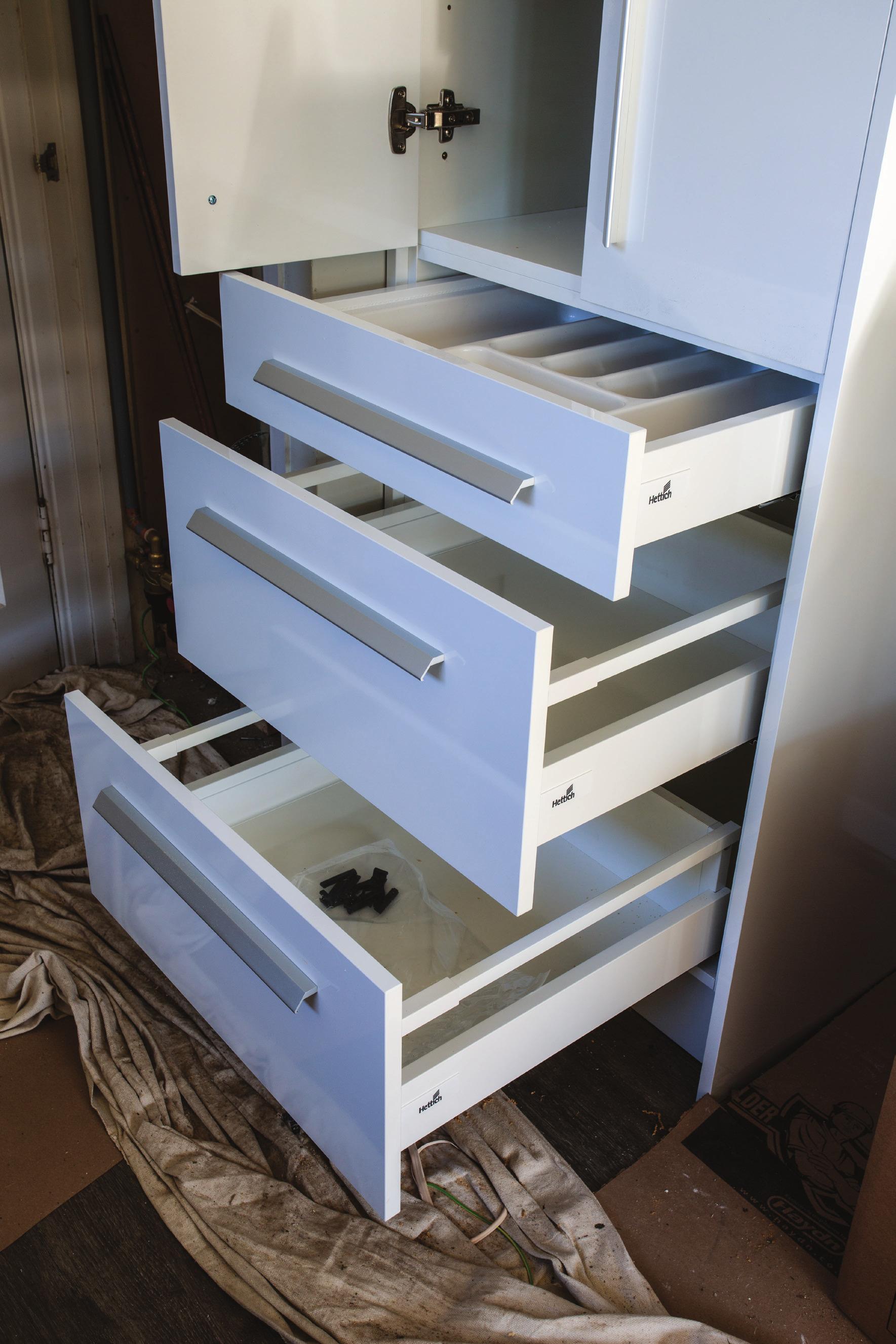Shed_079_20180611_Installing-a-Kitchen-025.jpg