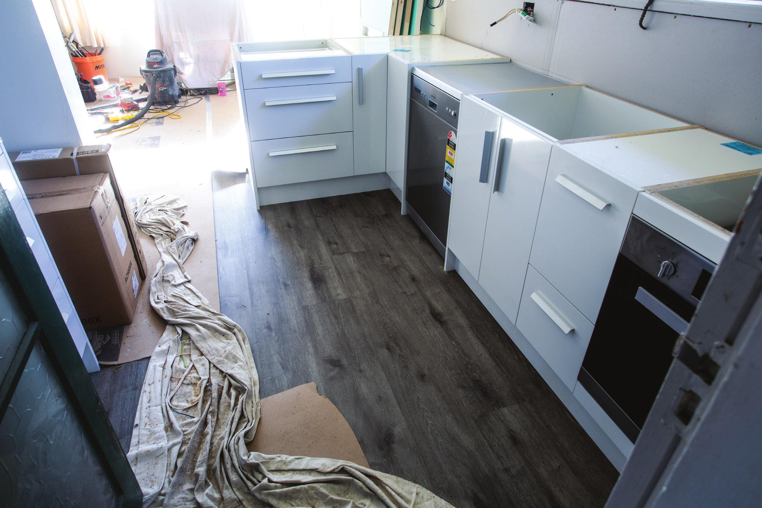 Shed_079_20180611_Installing-a-Kitchen-030.jpg