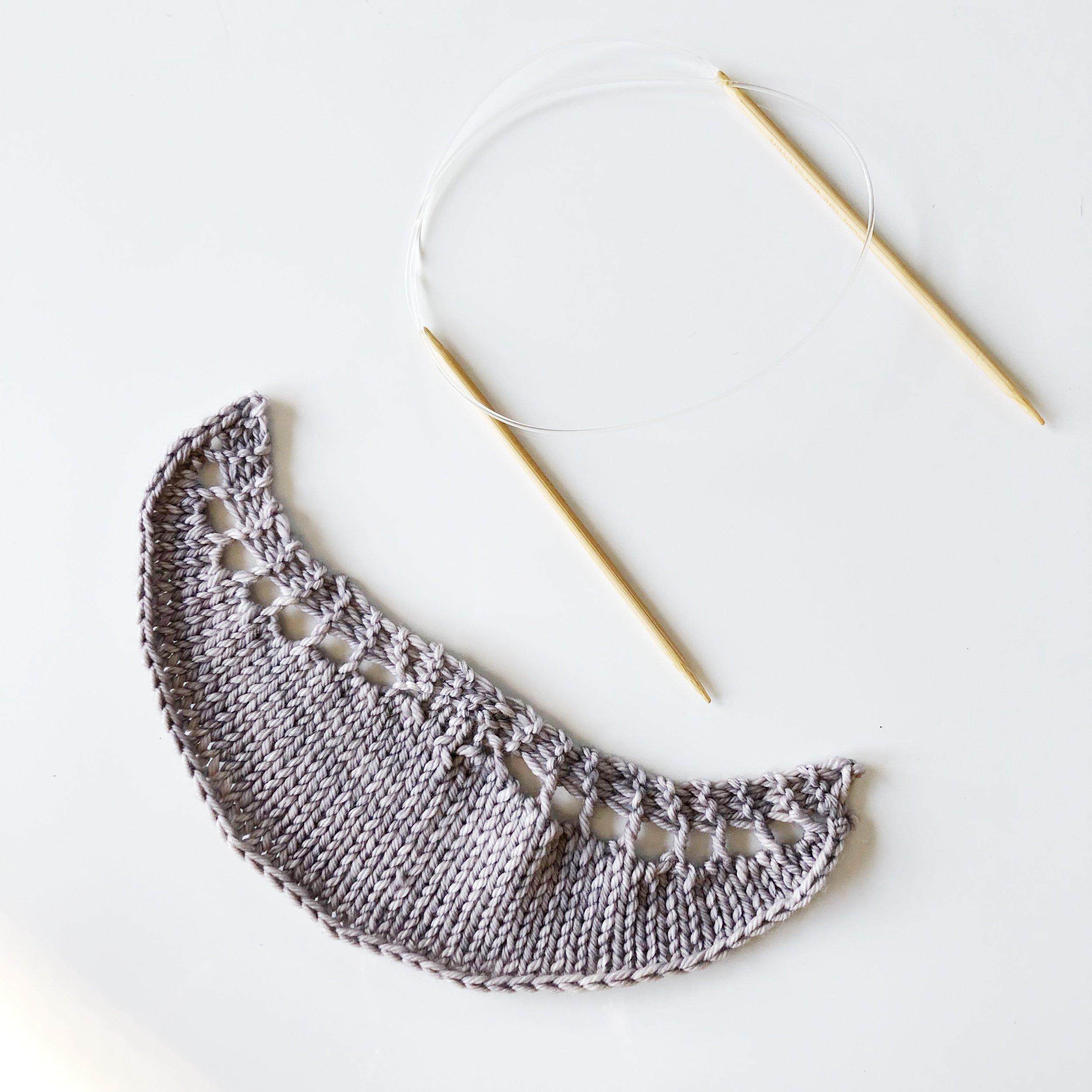 aroha-knits-5-shawls-5-days-challenge-day-2-crescent-shawl-in-malabrigo-rios-pearl-knitting-elisemade