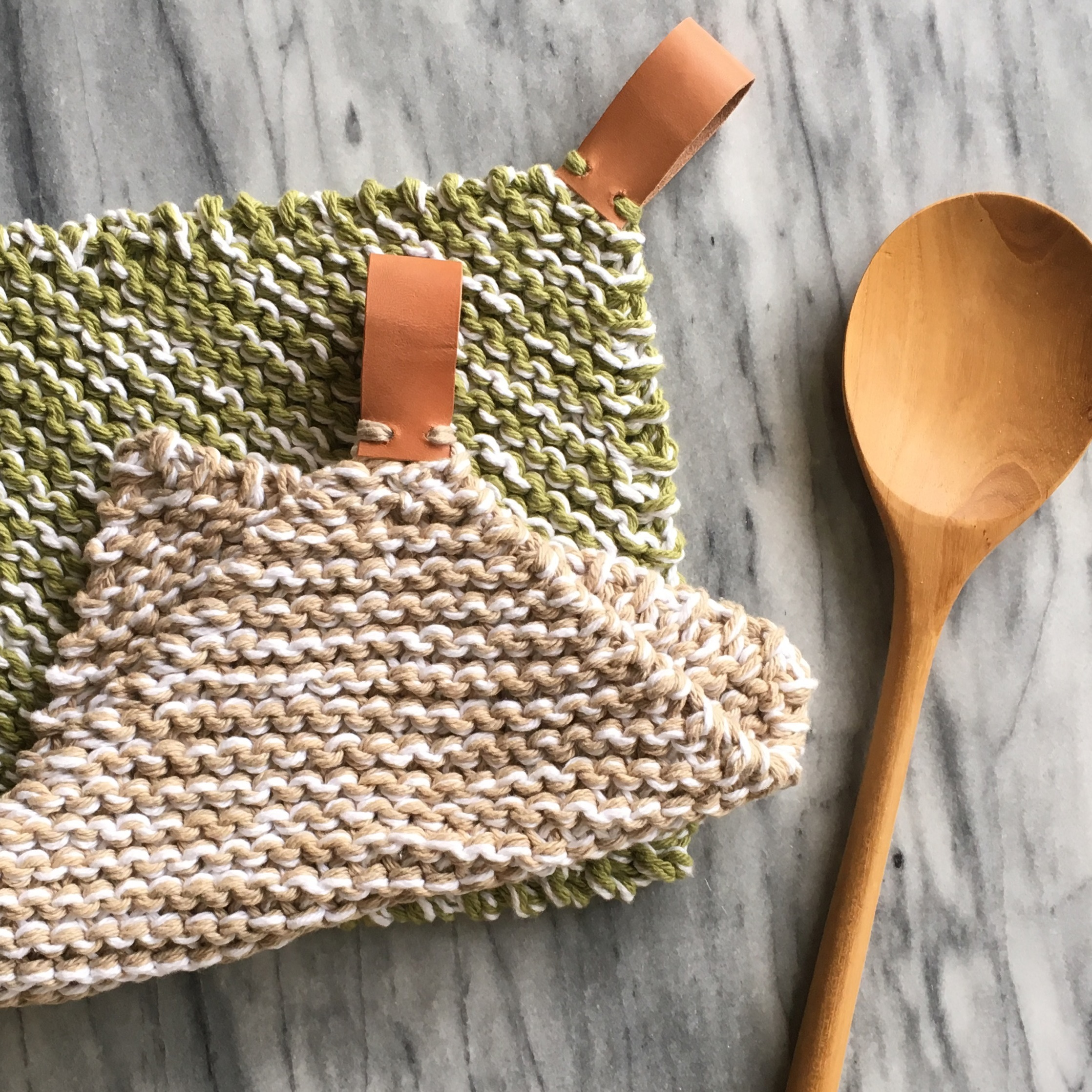 elisemade-knit-potholders-with-leather-loops