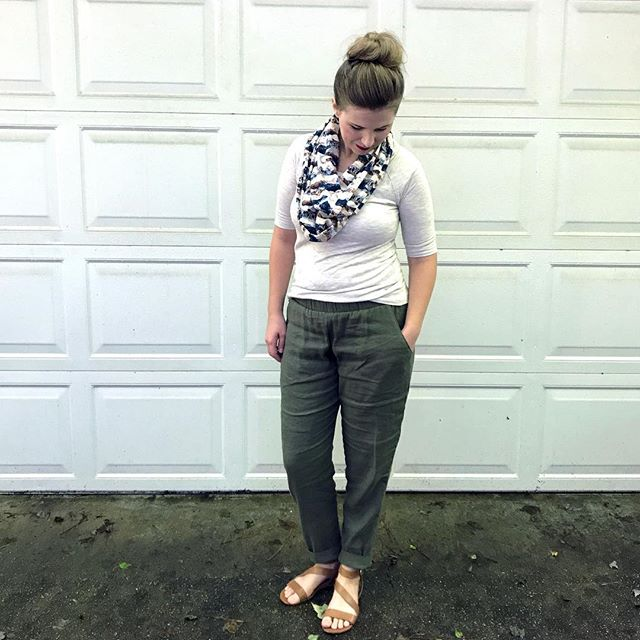 It's RAYON WEEK over at @imaginegnats which means you can get this gorgeous @aprilarhodes mountain mirror rayon that I used to make an infinity scarf for 15% off in the #imaginegnatsshop with the code RAYONWEEK! I used it to make an infinity scarf and I'm now convinced rayon makes the perfect all season scarf!