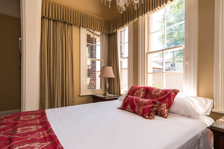 Pillow-top, Queen size bed