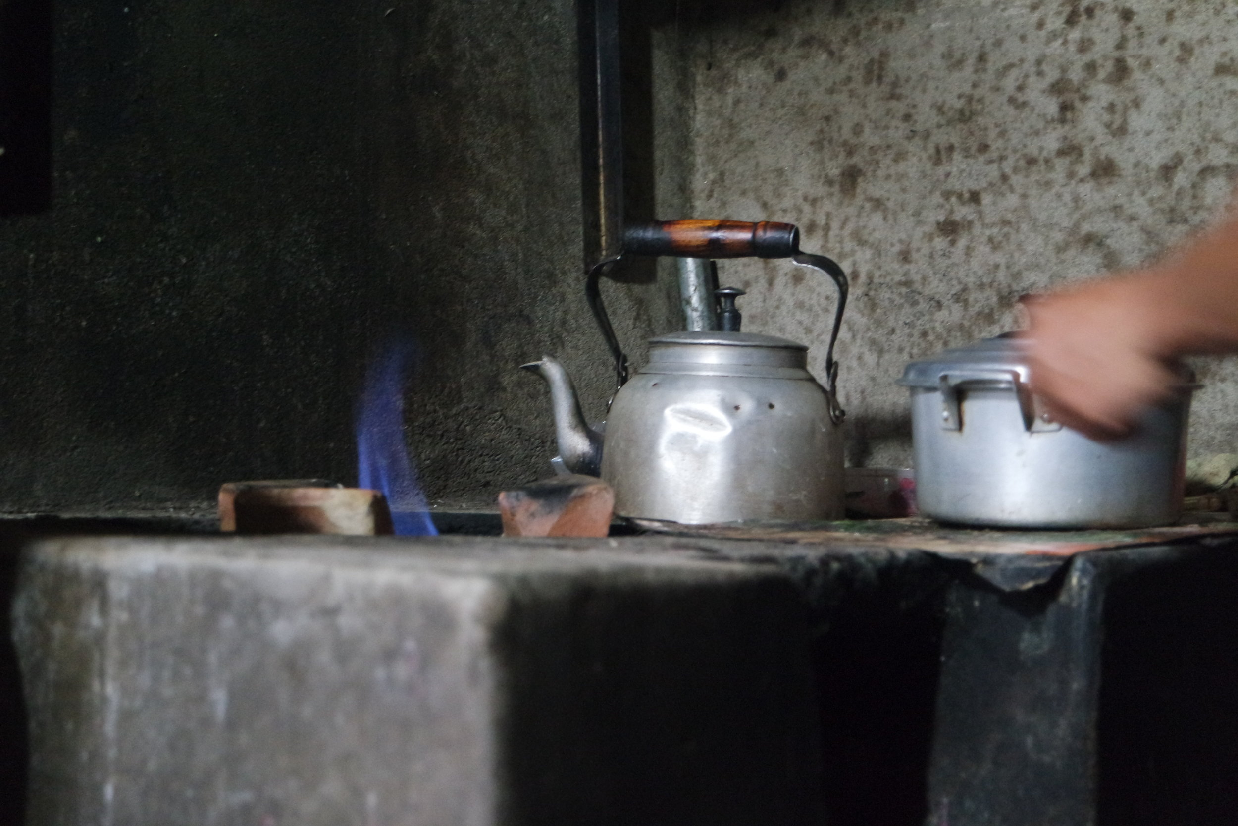 Cooking with biogas reduce harmful indoor airpollution, treat waste and is a low tech solution.