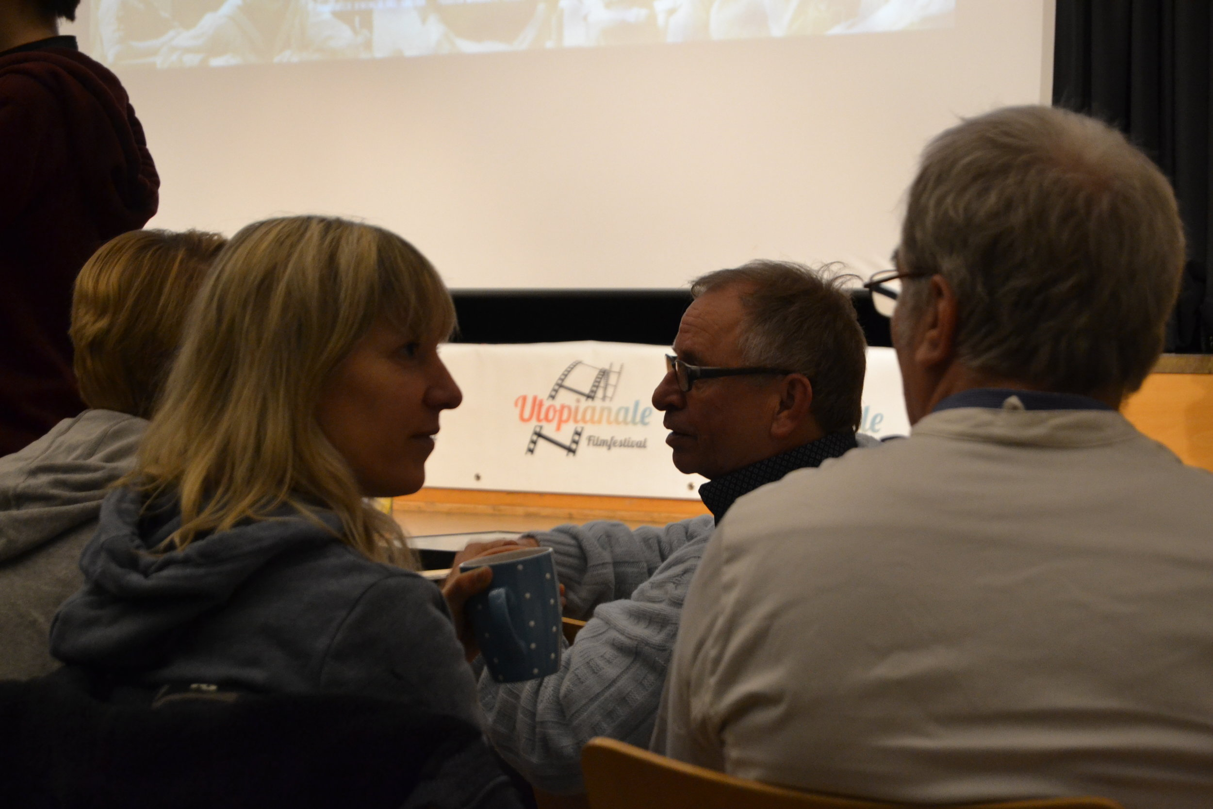 Lively discussions and sharings between screenings.  Photo: Lea König