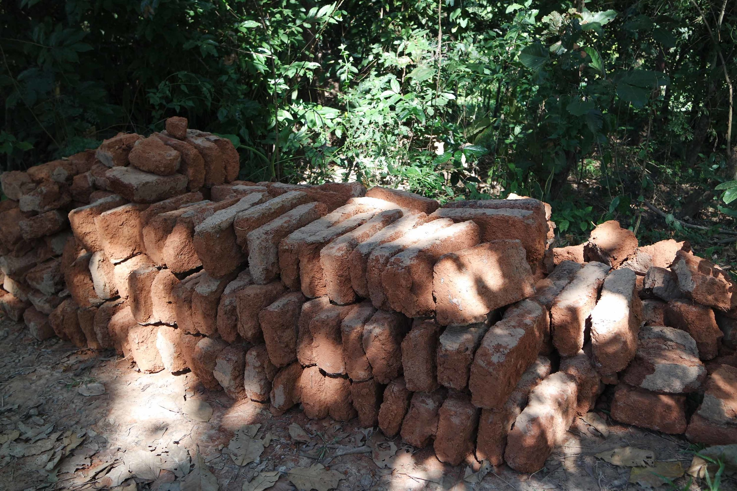 Reusing mud-bricks is very easy and makes it even more sustainable.