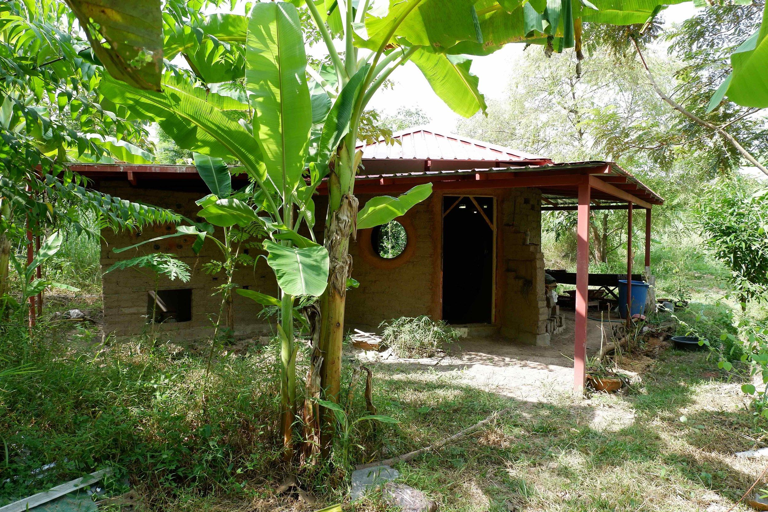 Ökologisches Bauen mit Permakultur in Thailand
