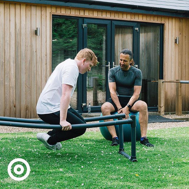 The powerhouse of the body.  A strong and flexible core is essential not just at the gym and when playing sports, but also for everyday activities such as carrying in the shopping. Together, we can reduce the chances of injury over time by improving your core with stability balls and exercises such as planks and L-sits.  Get in touch over on the website - link in bio.