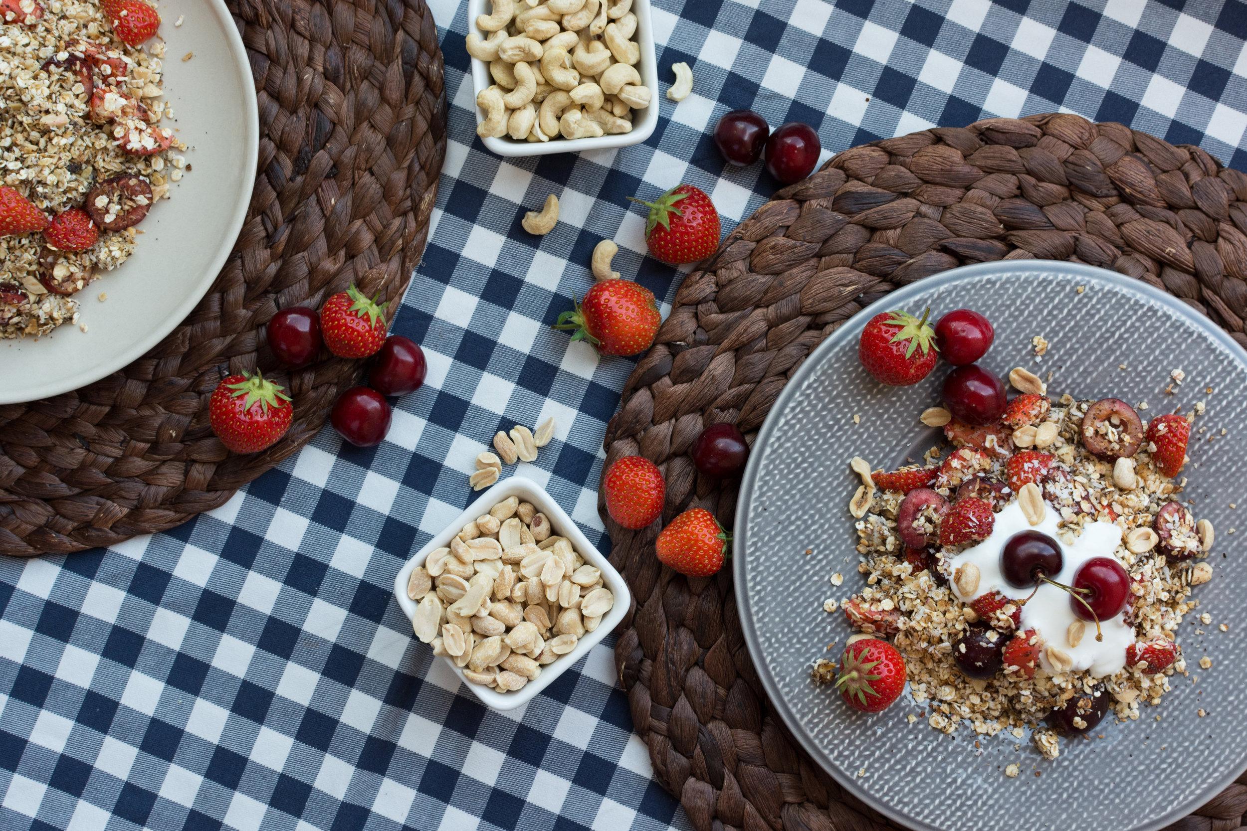 kids-breakfast-porridge-fruits-nuts-56615183