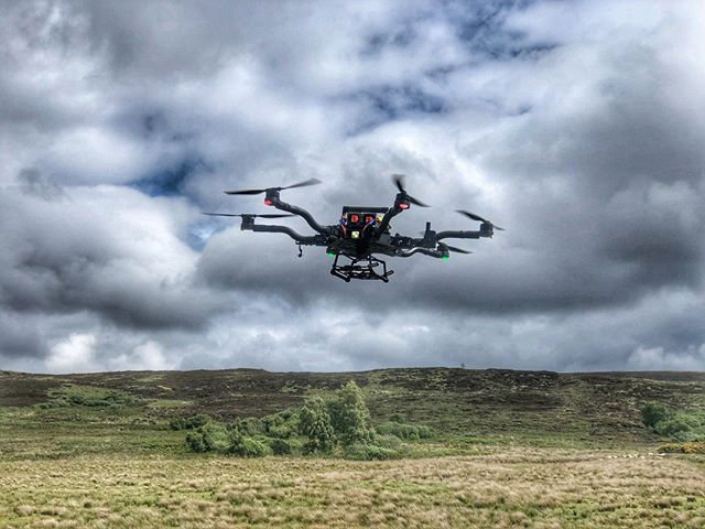 Testing for a very special project with no camera payload on the magnificent Freefly Alta 6 in June 2019.⠀ ⠀ 💪💥💥🚁🎥🎞🎬🚁💥💥✅⠀ ⠀ #freefly #heavylift #production ⠀ ⠀ buff.ly/2Sqy9w1