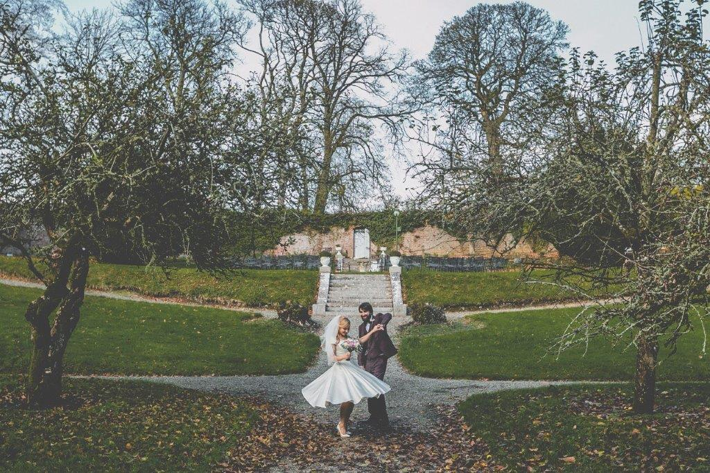 Boyne Hill House Outdoor Bride & Groom
