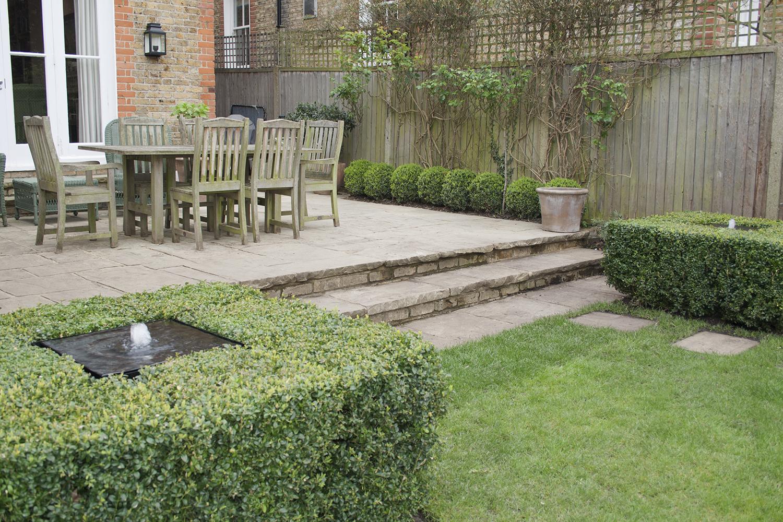 joanna_archer_garden_design_water_feature.jpeg