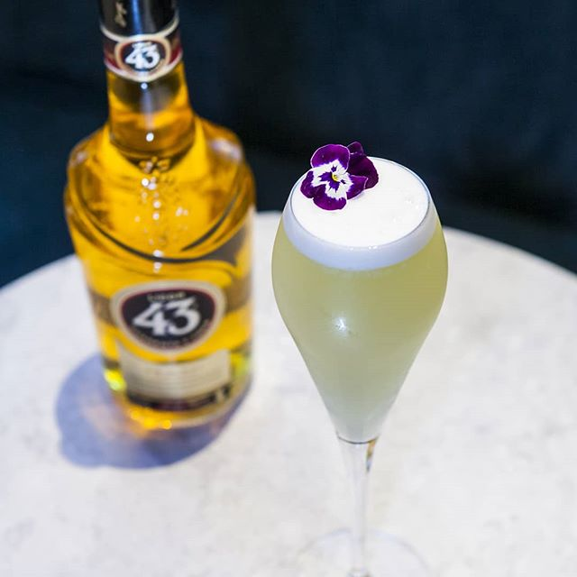 The Babelbushka served up by the team @babelhouseldn This absolute beauty is a concoction of:  @martinmillergin @licor43uk Fresh Apple Juice Fresh Lemon Juice Egg-white Champagne Top  #cocktailoftheday #mondaymood