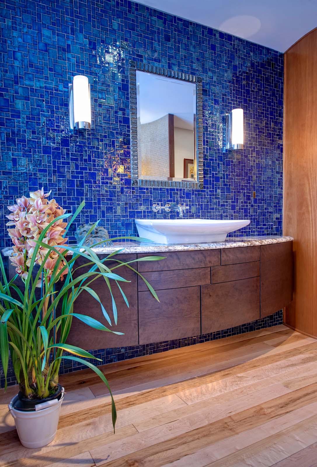 Stimmel 24 Bath Blue Tile.jpg