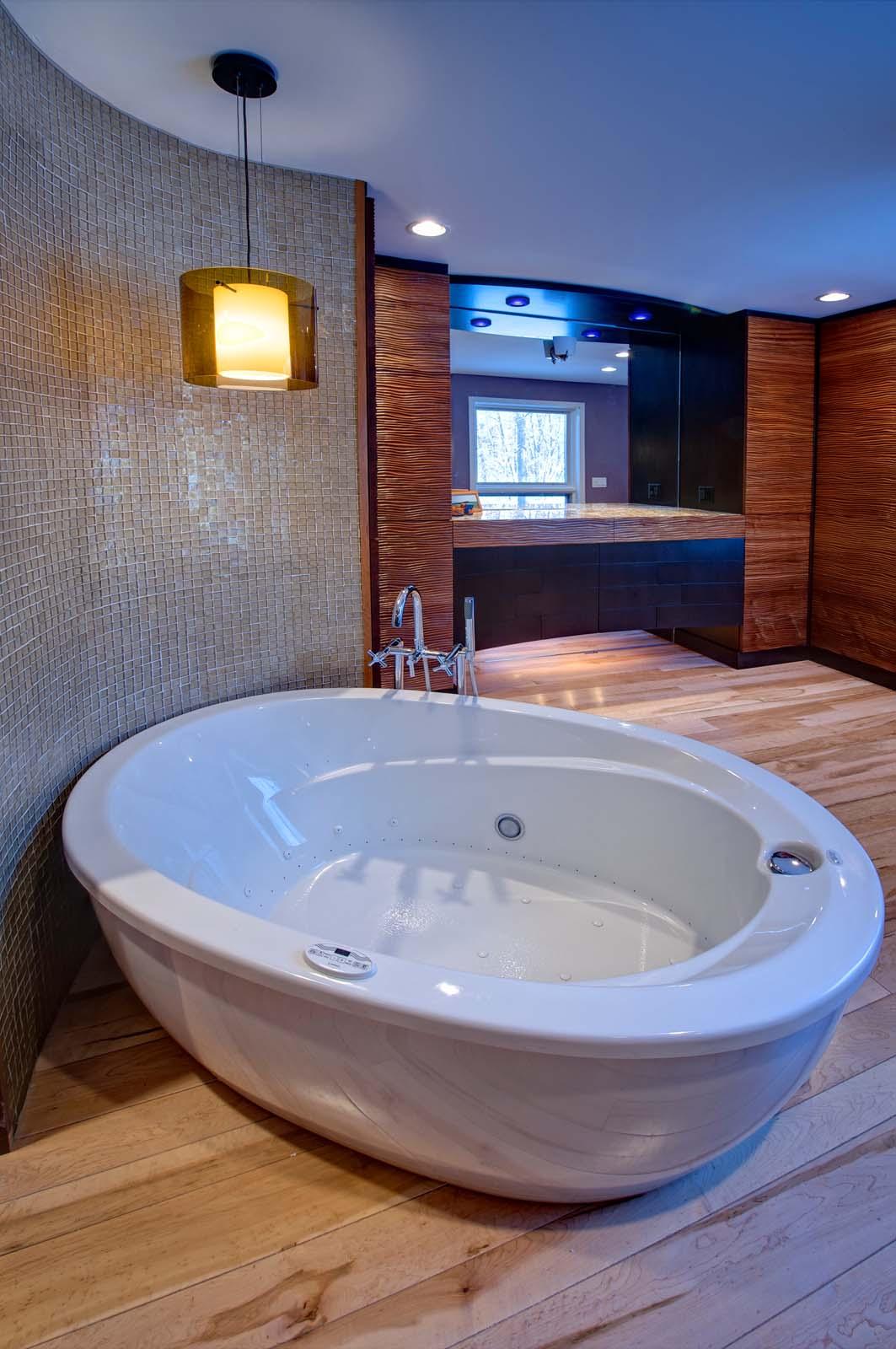 Stimmel 25 Bathtub.jpg