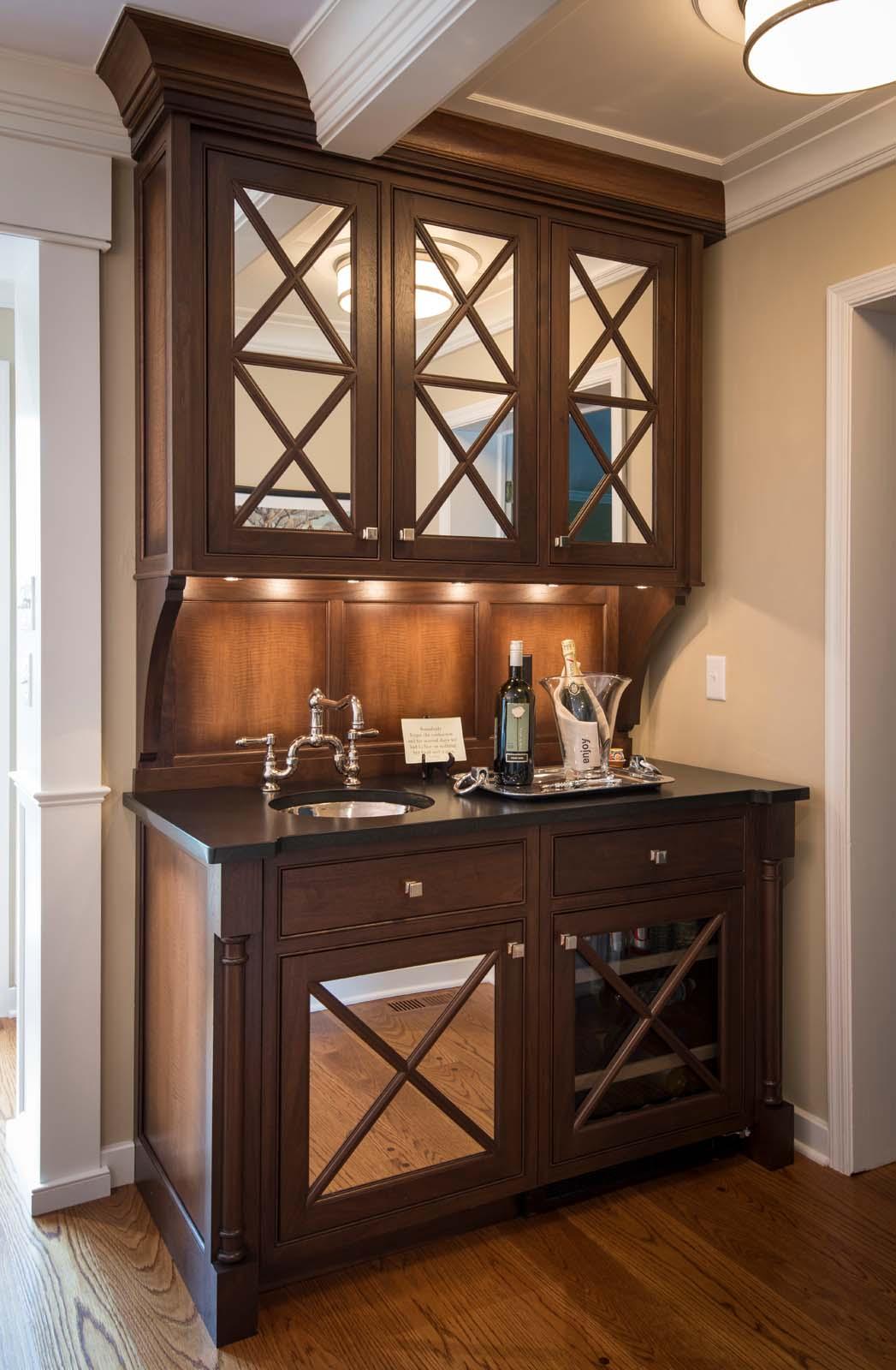 Villanova White Kitchen Hi Res-2.jpg