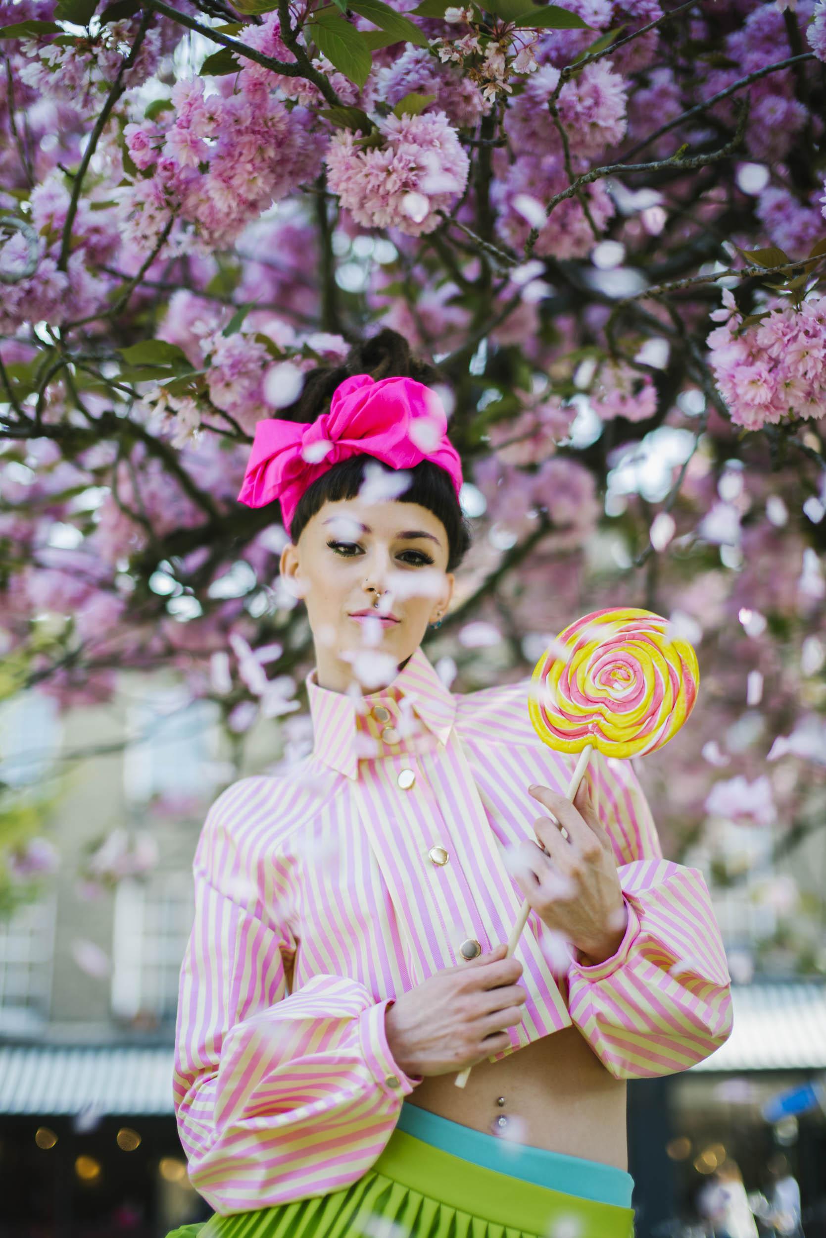 Esmeralda Tuomi's clothes photoshoot