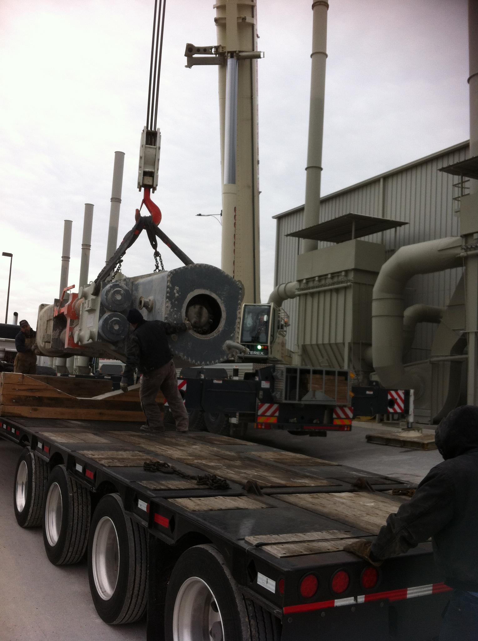 2013 300 ton crane 480.jpg