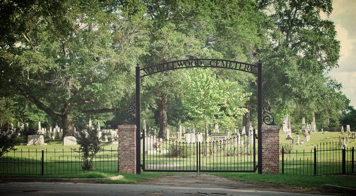 Myrtlewood_Gate.jpg