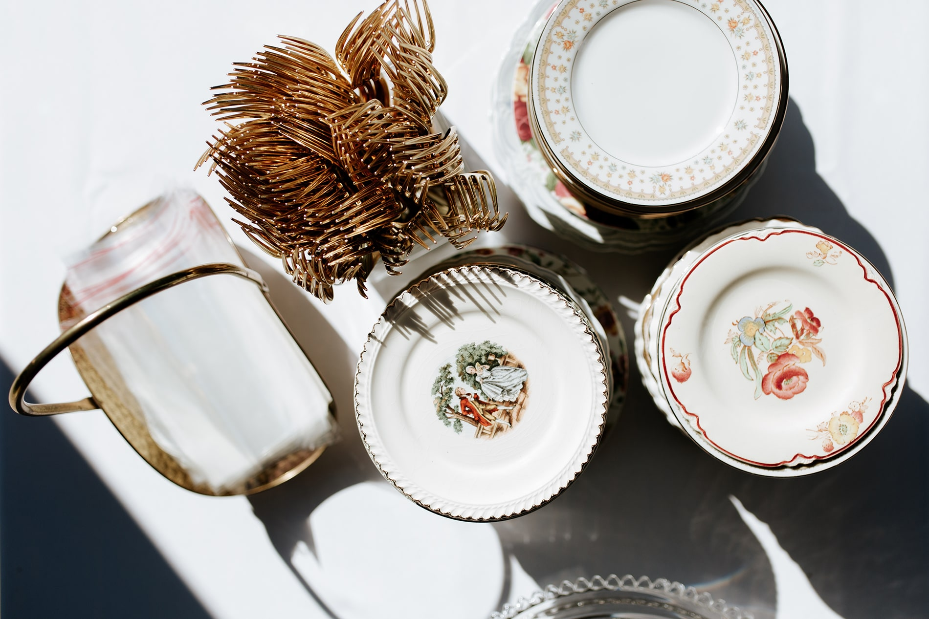 lowcountry-kitchen-catering-beaufort-sc-mary-grace-and-judd-kennedy-wedding-ceremony-bingo-plates-min.jpg