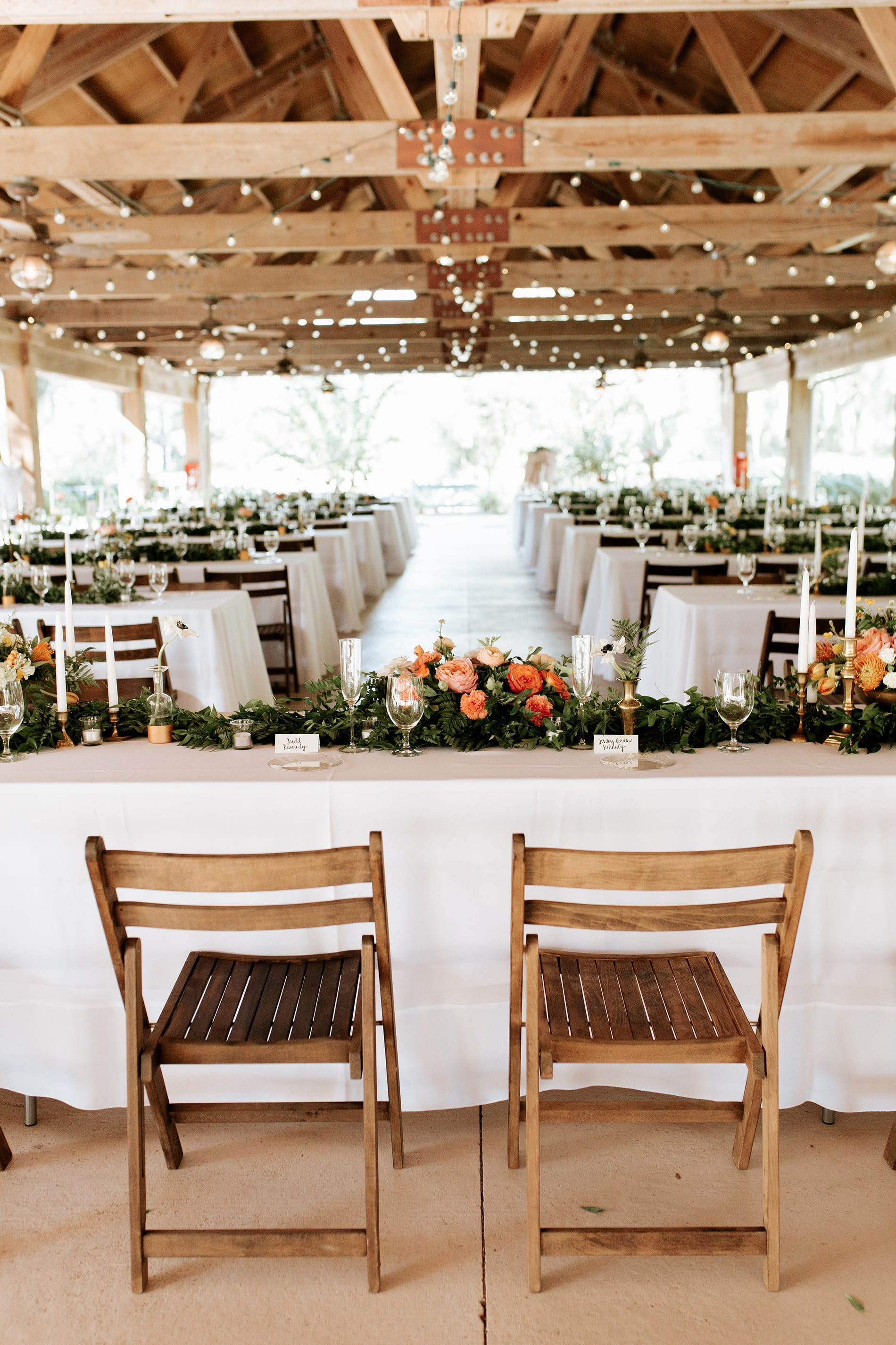 lowcountry-kitchen-catering-beaufort-sc-mary-grace-and-judd-kennedy-wedding-ceremony-tables-chairs-min.jpg