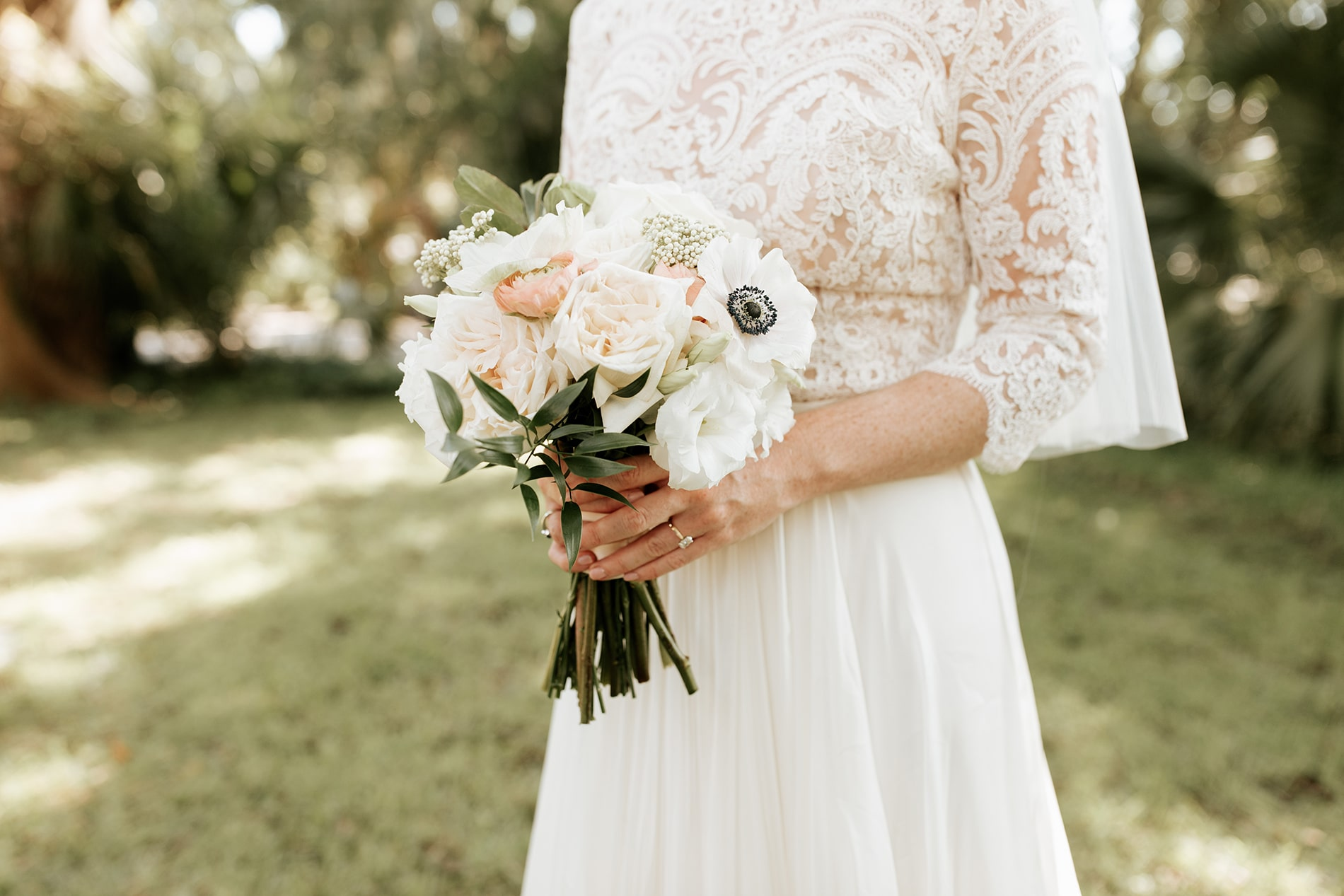 lowcountry-kitchen-catering-beaufort-sc-mary-grace-and-judd-kennedy-wedding-ceremony-bride-bouquet-min.jpg