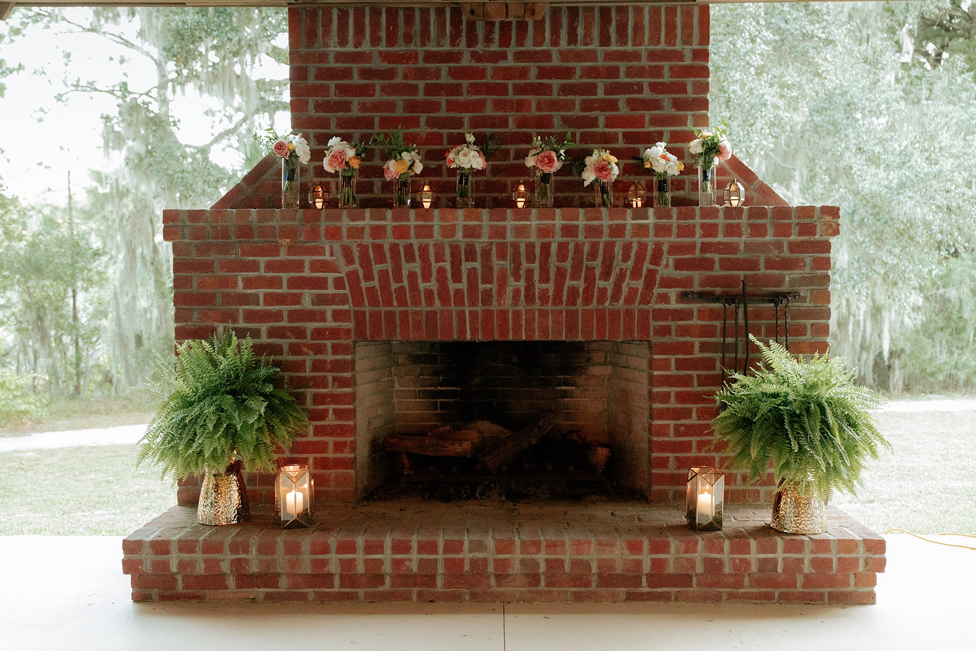 lowcountry-kitchen-catering-beaufort-sc-mary-grace-and-judd-kennedy-wedding-ceremony-outdoor-fireplace-min.jpg