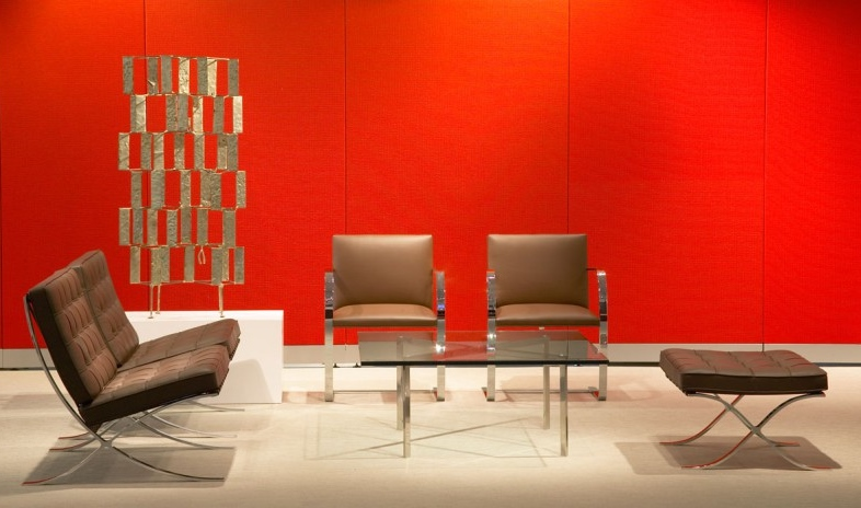 Knoll-Barcelona-Flat-Bar-Brno-Chair.jpg