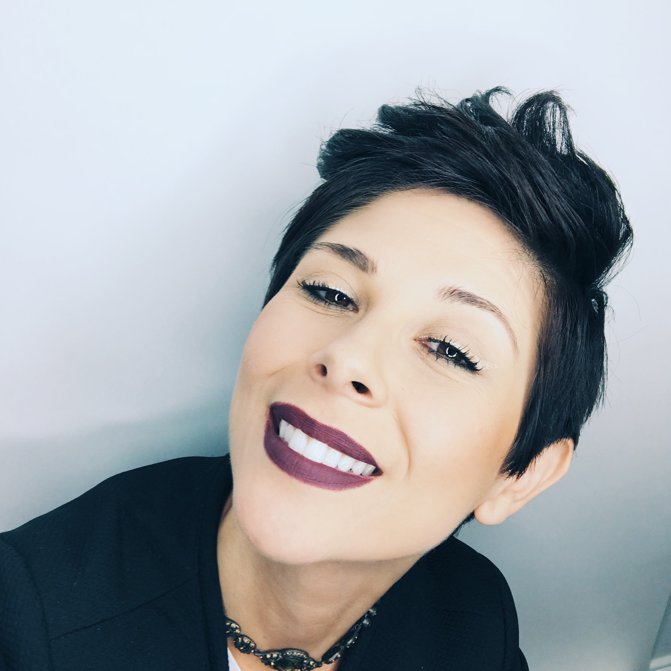 Fall Winter Bold Lip Makeup Look Beauty Tips Libier A Journey To Freedom