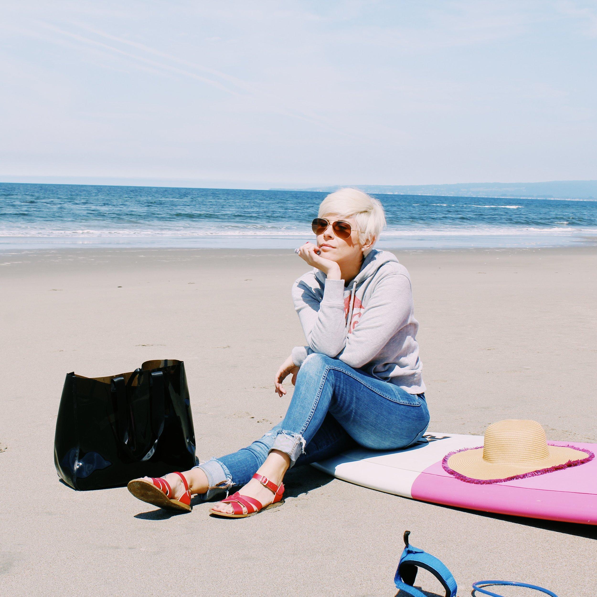 beachblonde.JPG