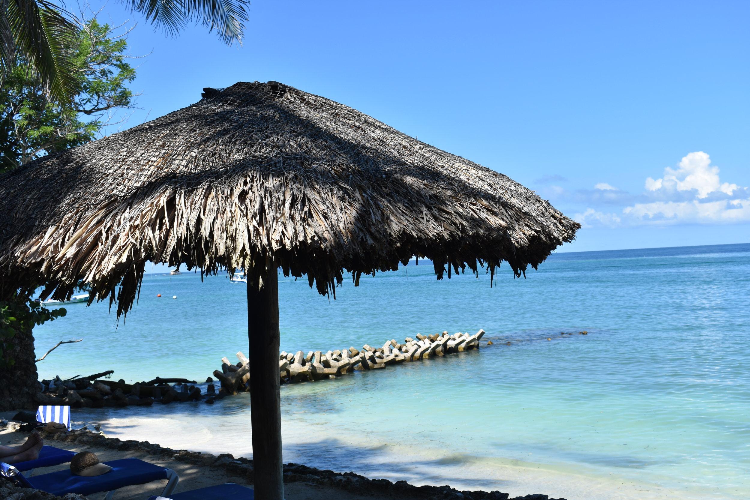 Uma das praias do nosso hotel: sim, um pedacinho do paraíso =)