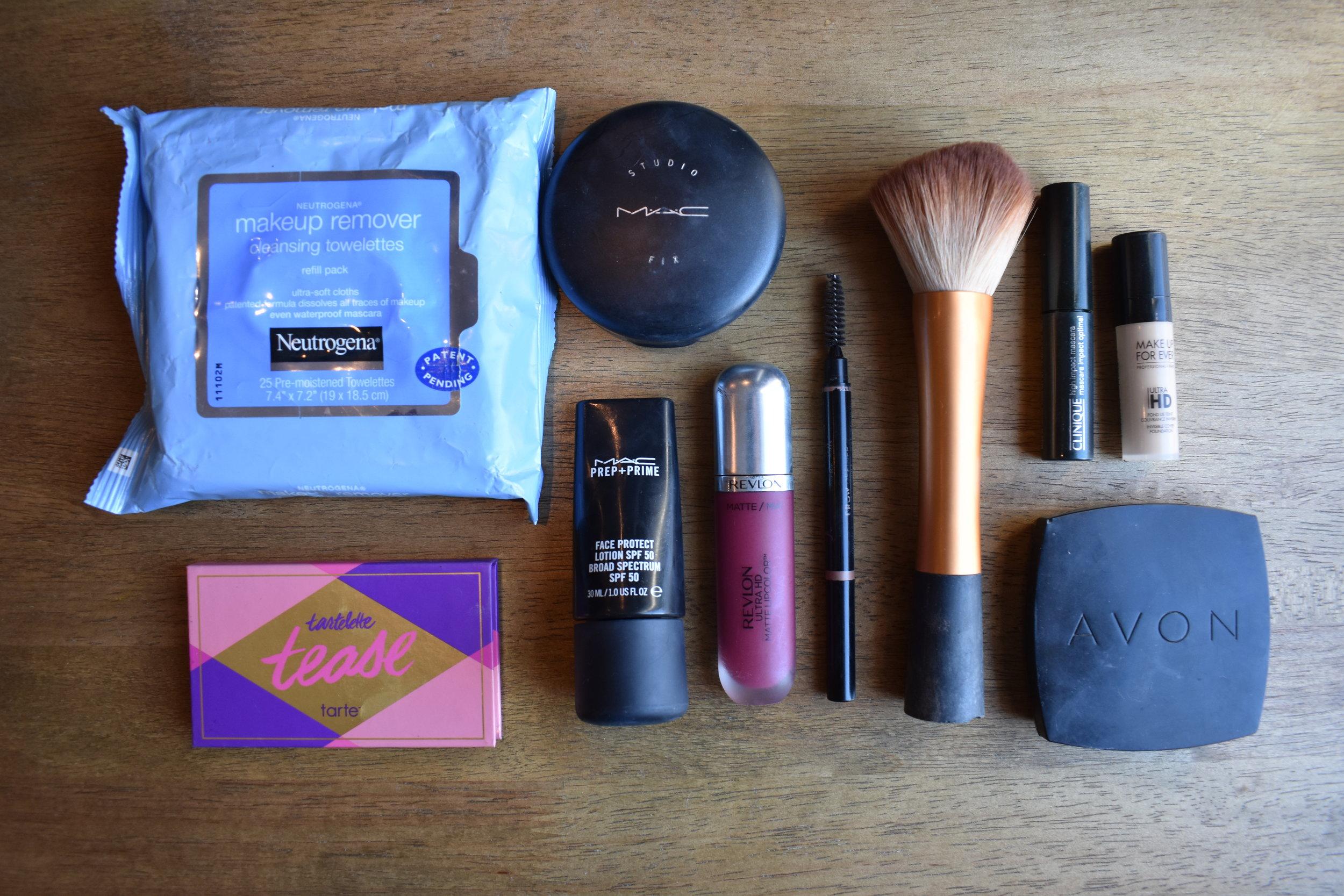 Itens de Maquiagem: você pode levar na sua bagagem de mão desde que tenha até 100ml.