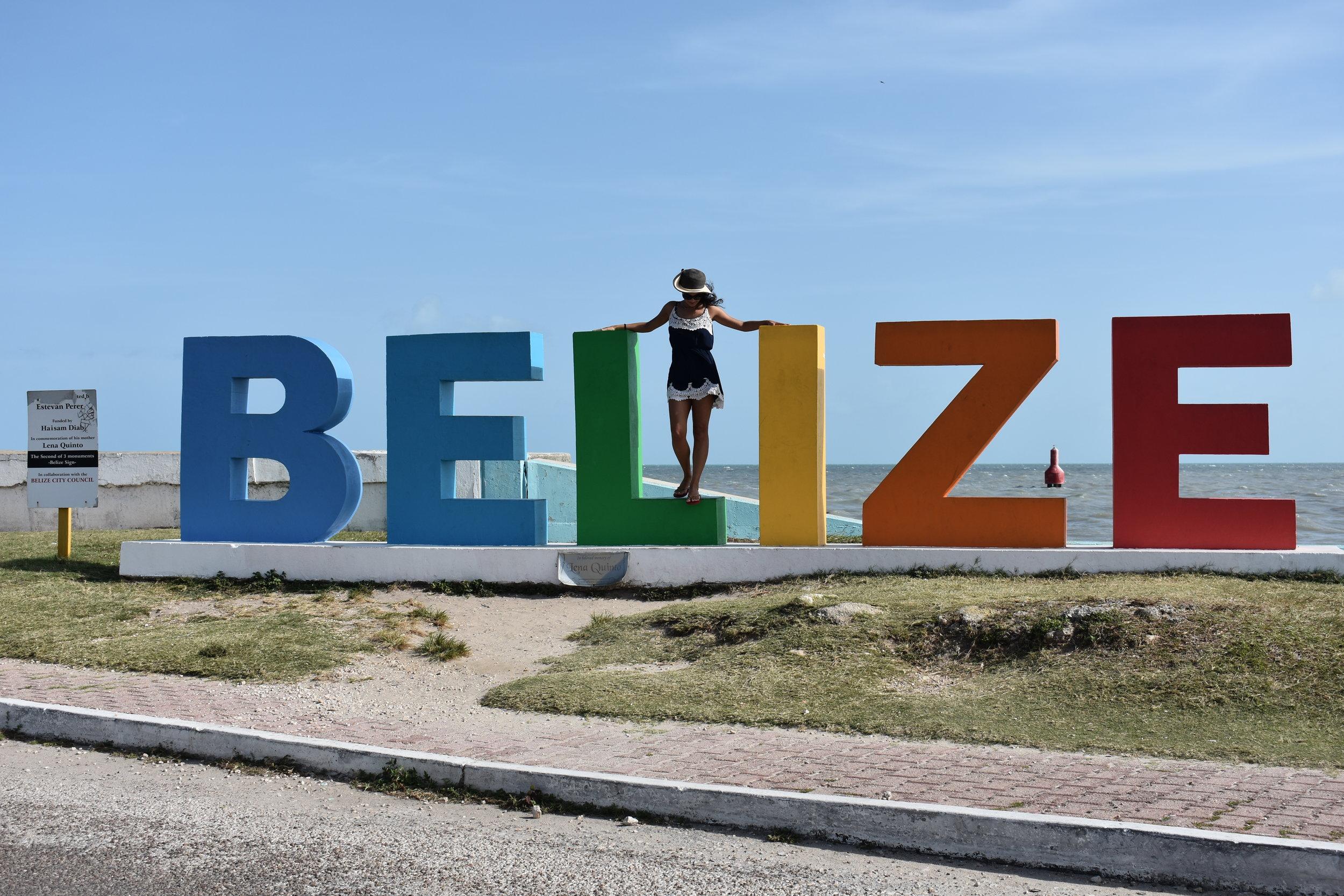 Belize, essas letras ficam perto do Porto. Mas há outra na parte norte da cidade.