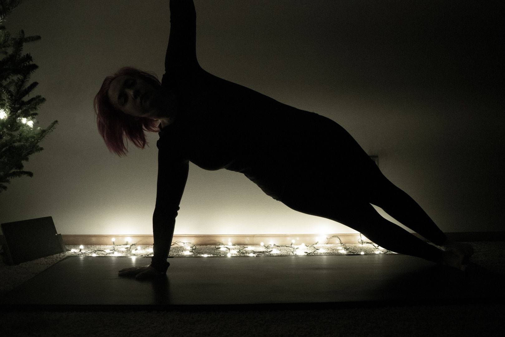 Side plank and I are acquaintances that are undecided about becoming friends.