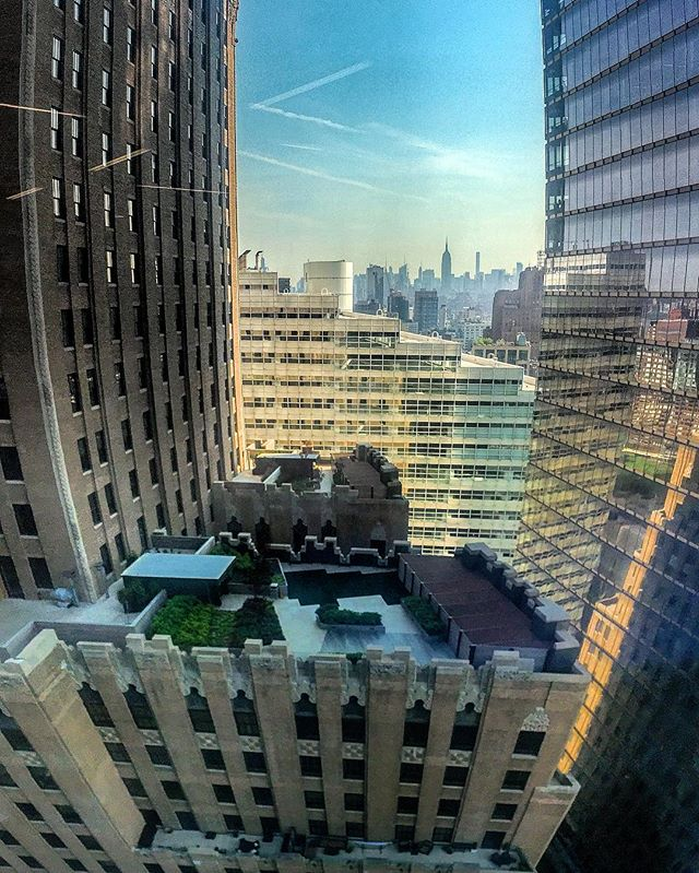 Goooooooooooood Mornin' New York City!!! Always nice to get a view from 1WTC to start your day, too bad this ain't my office, which speaking of- I should get to my desk... #sitesurvey #walkthru #1wtc #nyc
