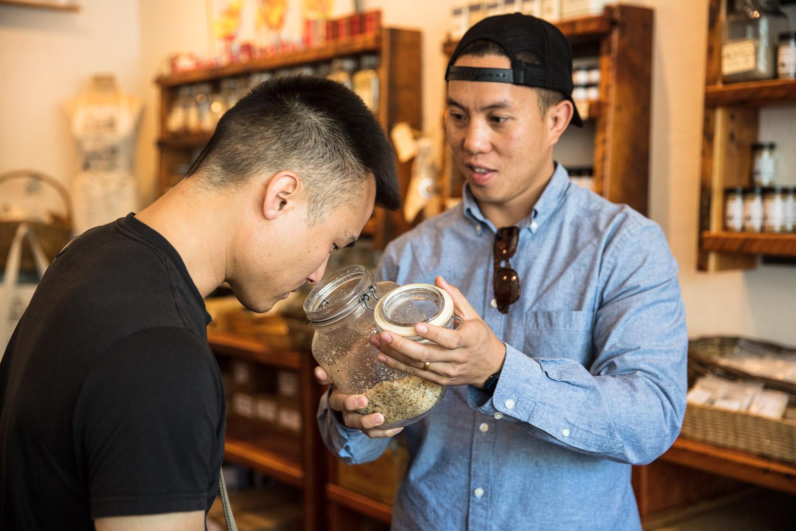 Peter of Peter's Kettle Corn shares the aroma of John's Wild Mushroom Sea Salt