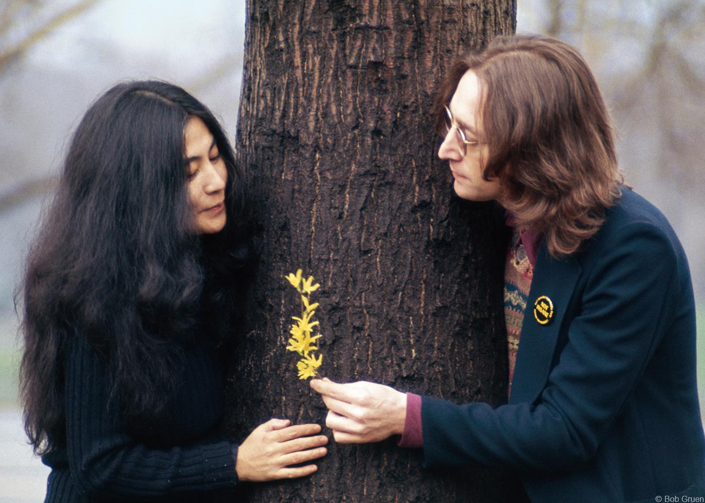 John and Yoko in Central Park. Photo:Bob Gruen.