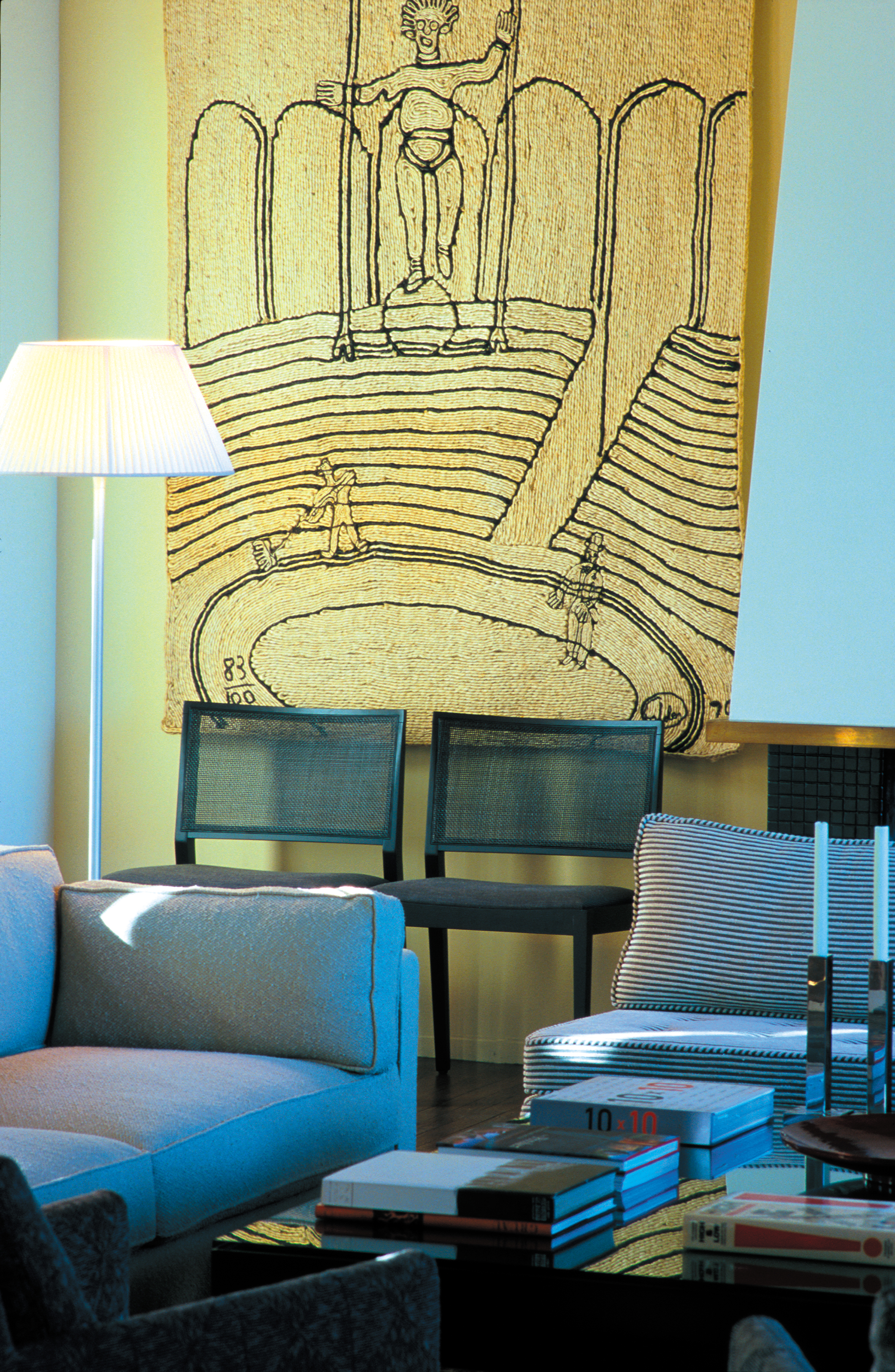 04-GPH-Living-Room-coffe-table-dtl-1_adjust.jpg