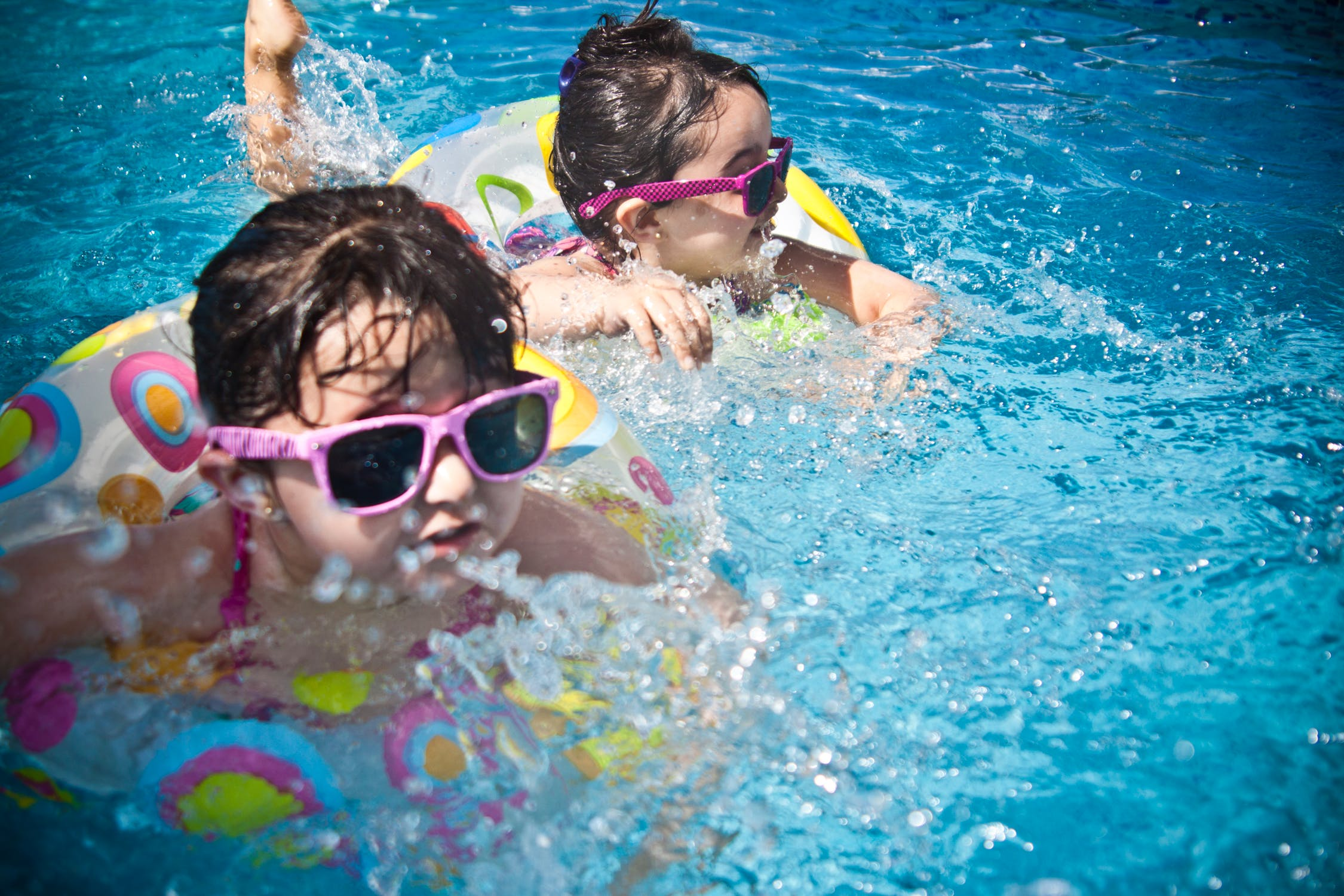 kids swim.jpeg