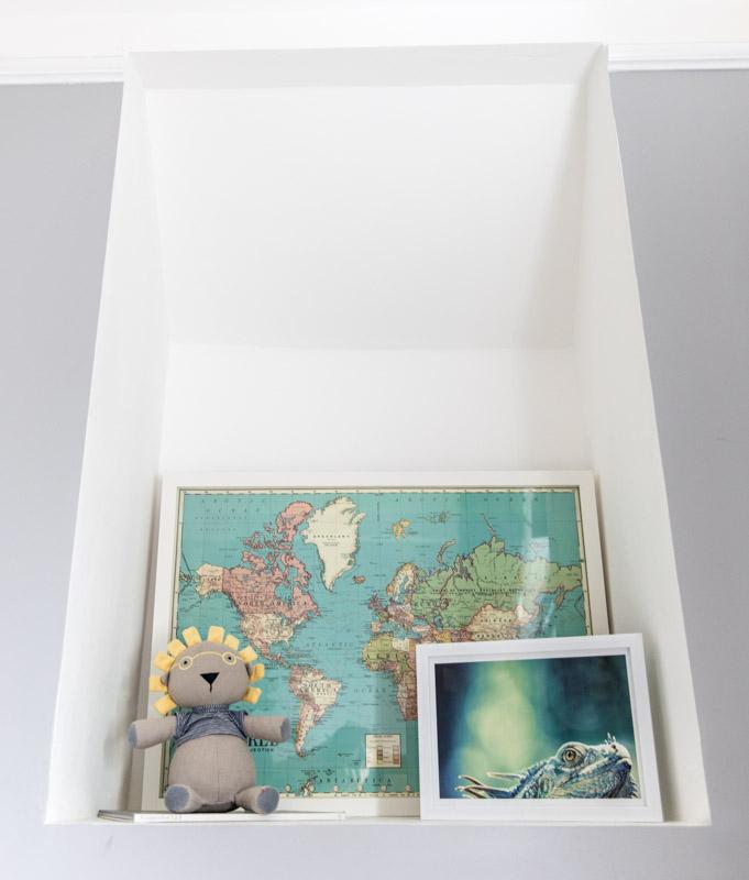 Leaning Frames Kids rooms