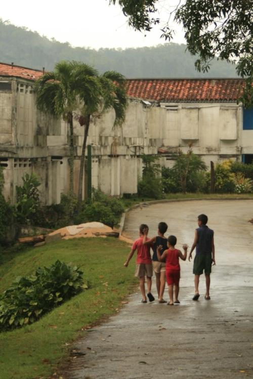 Children playing in Las Terrazas