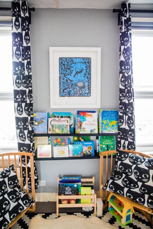 Kids monochrome curtains and bookshelves