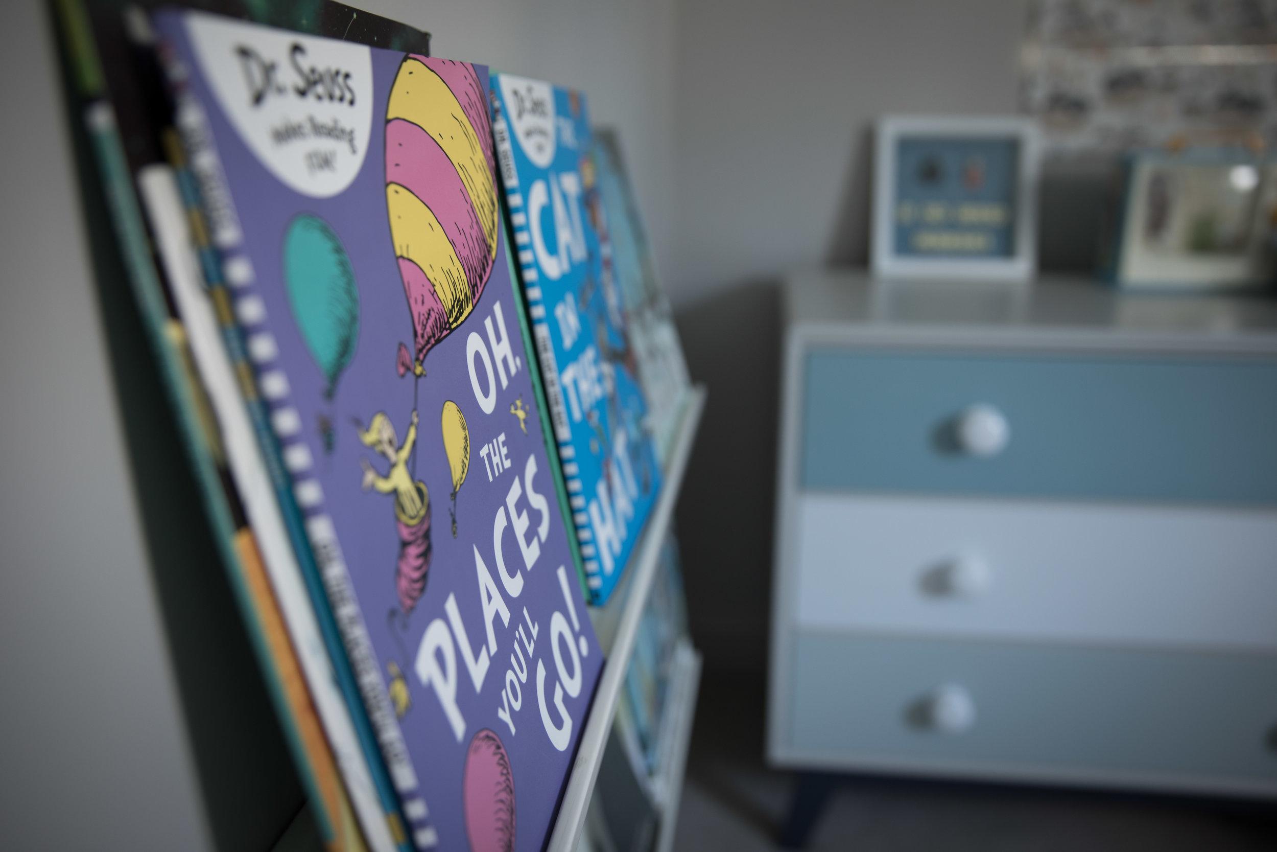 Kids bedroom bookshelves