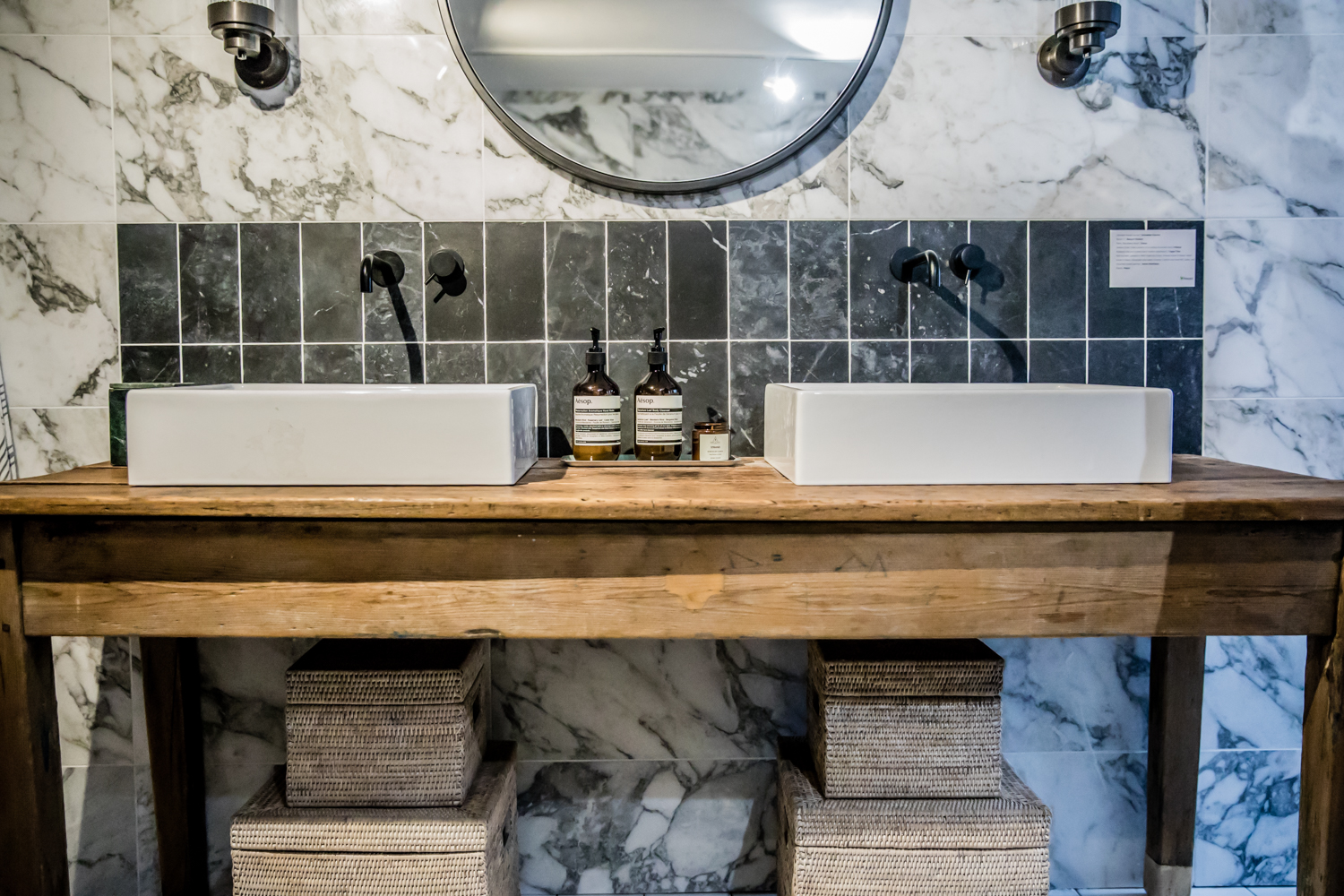 Double sinks on old table. Love this idea!