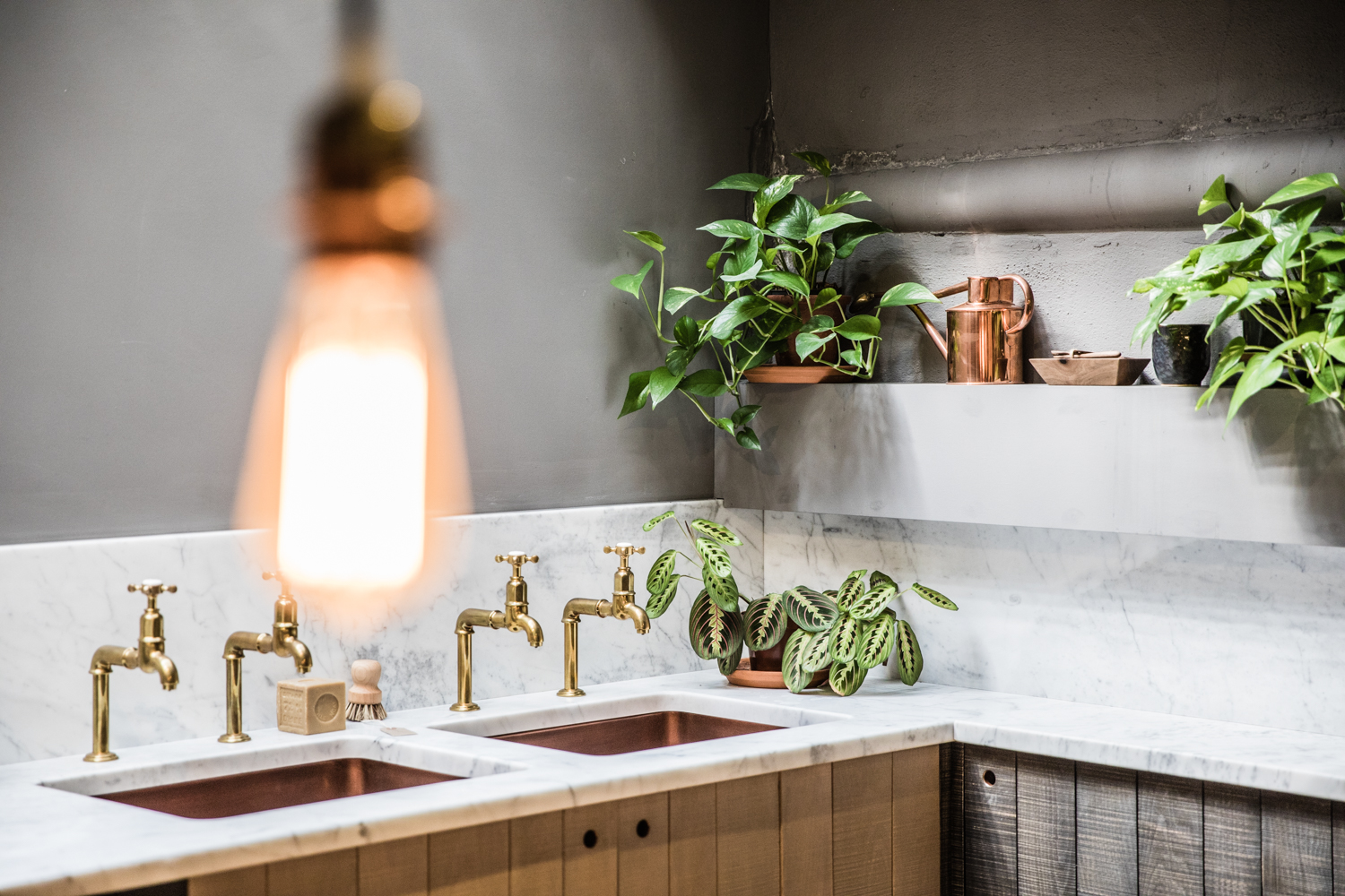 Clerkenwell Design week last year in the  deVOL  showroom giving me serious copper and brass inspiration (and look at their plant game!)