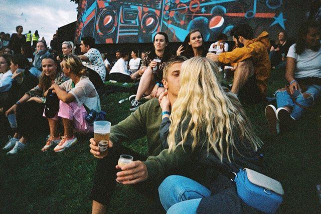 @oyafestivalen skutt på mitt første kamera fra 90-tallet 💘